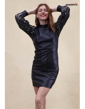 Φόρεμα fake leather πούλιες